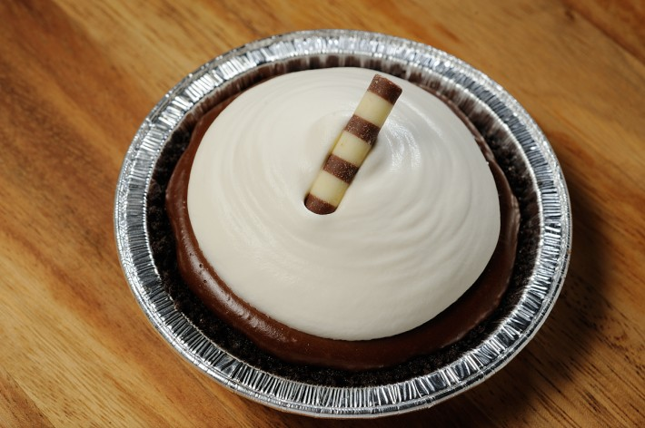 Chocolate cookie crust, chocolate pastry cream and whipped cream